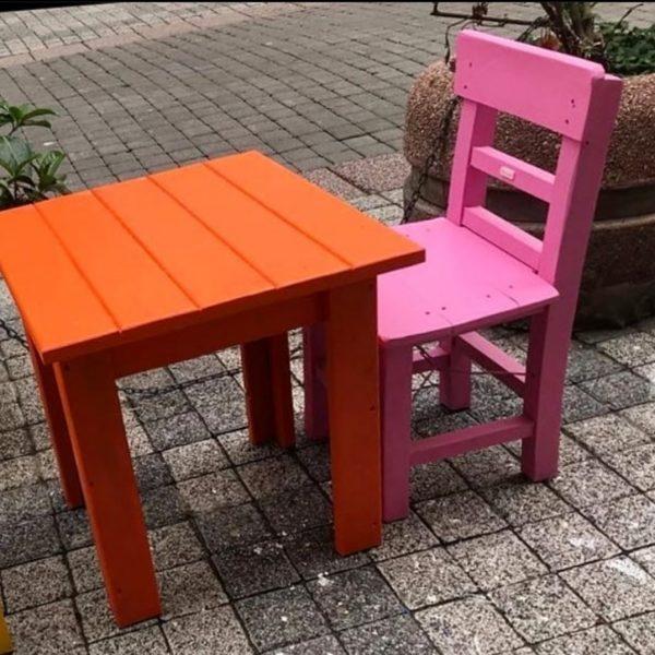 Ahşap çocuk masası