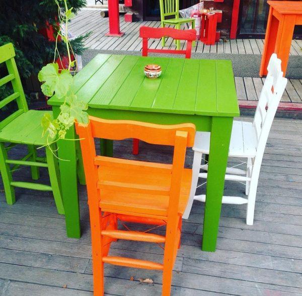 Renkli masa sandalye dış mekan için